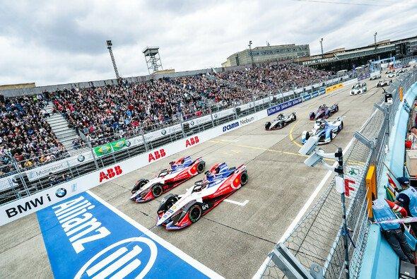 Die Formel E kehrt in der Saison 2019/20 zurück nach Berlin - Foto: LAT Images