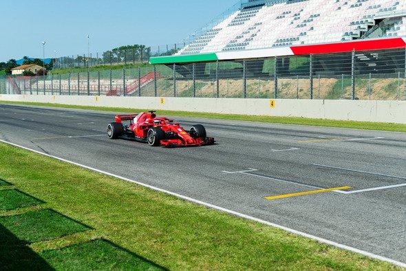 Sebastian Vettel übernahm in Mugello die erste Schicht im SF17H - Foto: Ferrari