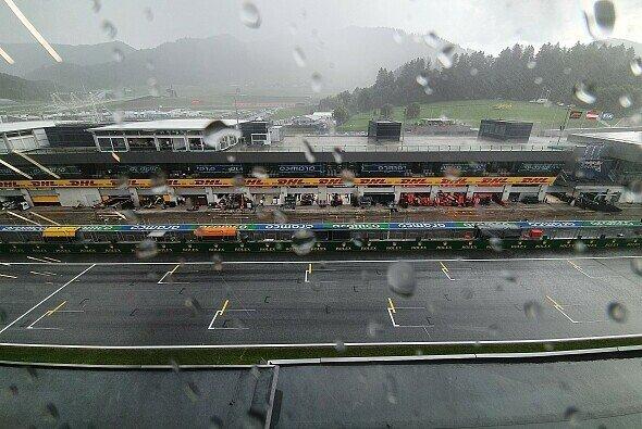 Die Formel 1 wird an diesem Wochenende in Österreich kaum um den großen Regen herumkommen - Foto: Motorsport-Magazin.com
