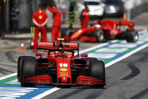 Ferrari musste sich in den Formel-1-Trainings in Österreich hinter Mercedes-Kunde Racing Point einordnen - Foto: LAT Images
