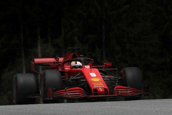 Sebastian Vettel startet in Spielberg nur vom elften Platz - Foto: LAT Images