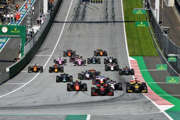 Die Formel 2 fährt auch an diesem Wochenende in Österreich - Foto: LAT Images