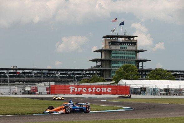 Scott Dixon siegt auch auf dem Indianapolis-Rundkurs - Foto: IndyCar