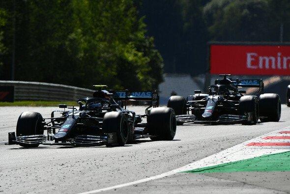 Valtteri Bottas gewann in Österreich das erste Formel-1-Rennen 2020 vor Charles Leclerc und Lando Norris - Foto: LAT Images