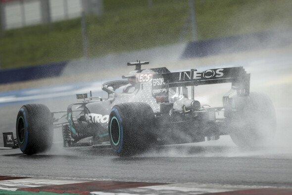 Starkregen beim Steiermark-GP in Spielberg - Foto: LAT Images