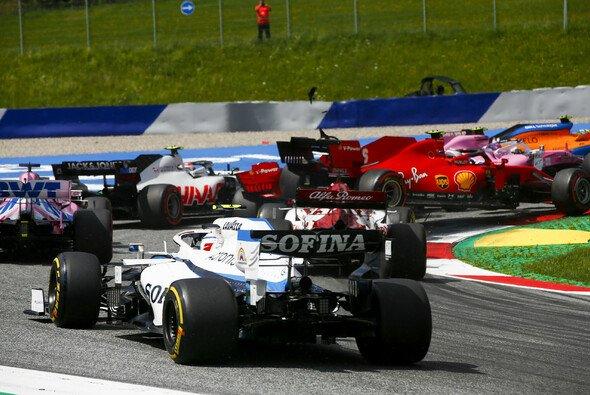 Sebastian Vettel schied bereits nach einer Runde aus - Foto: LAT Images