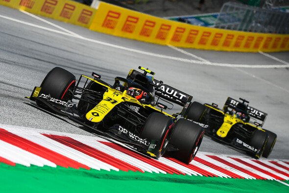 Renault überließ seinen Fahrern Esteban Ocon und Daniel Ricciardo beim Steiermark GP die Verantwortung - Foto: LAT Images