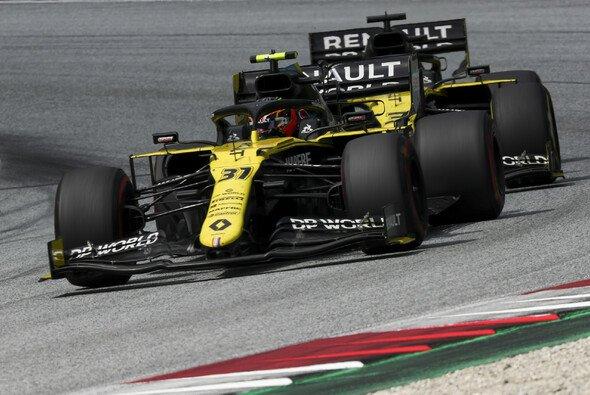 Esteban Ocon hat bis jetzt bei Renault mit Daniel Ricciardo zu kämpfen - Foto: LAT Images