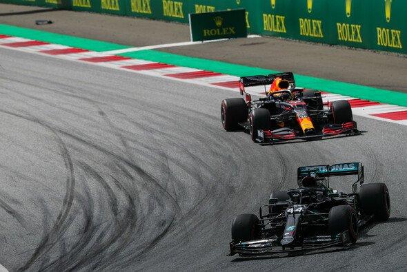 Red-Bull-Pilot Max Verstappen sieht in Ungarn keine Chance der Mercedes-Dominanz Herr zu werden - Foto: LAT Images