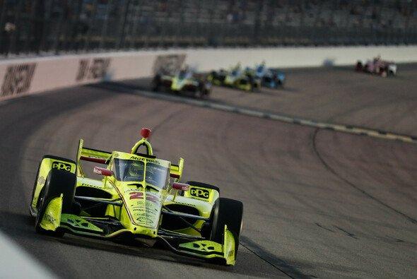 Simon Pagenaud gewann in Iowa vom letzten Startplatz aus - Foto: IndyCar