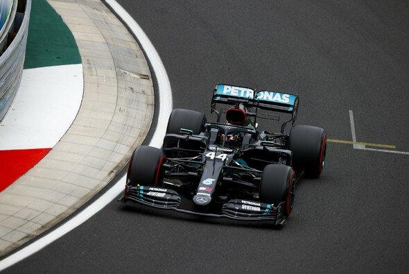 Formel-1-Weltmeister Lewis Hamilton startet beim Grand Prix von Ungarn am Sonntag von der Pole Position - Foto: LAT Images