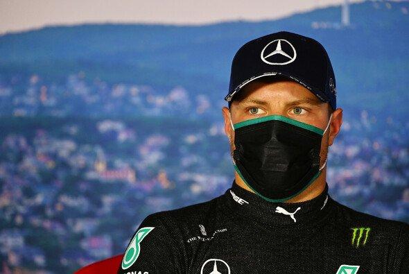Valtteri Bottas hatte sich im Formel-1-Qualifying in Ungarn bessere Chancen gegen Lewis Hamilton ausgerechnet - Foto: LAT Images