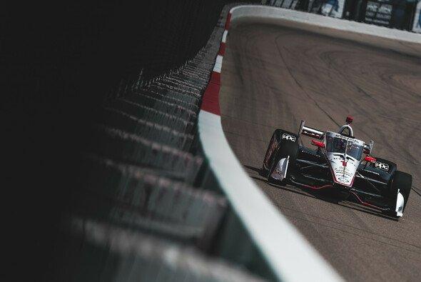 Josef Newgarden hatte das Geschehen beim zweiten Iowa-Lauf im Griff - Foto: IndyCar