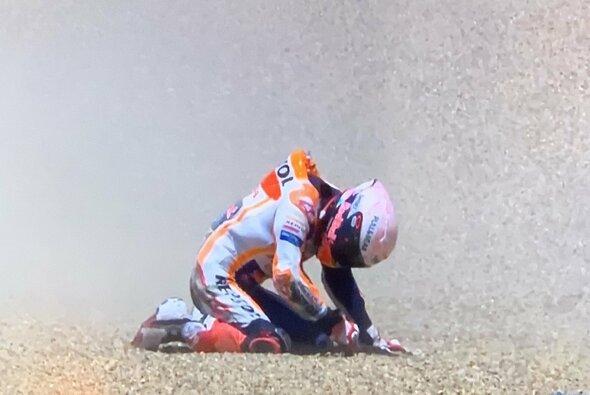 Für Marc Marquez endete der MotoGP-Saisonauftakt schmerzhaft - Foto: Twitter/Screenshot