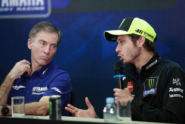 Zwischen Rossi und Jarvis gab es Gesprächsbedarf - Foto: LAT Images