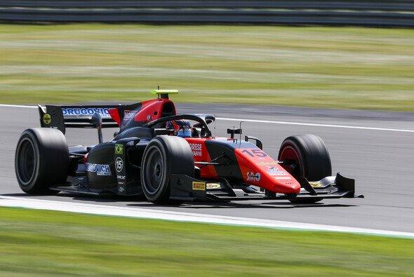 Rookie Felipe Drugovich hat sich im Qualifying der Formel 2 in Silverstone die Pole Position für das Hauptrennen gesichert - Foto: LAT Images