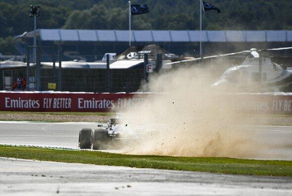 Mercedes erwischte im Training in Silverstone nicht den saubersten aller Tage - Foto: LAT Images