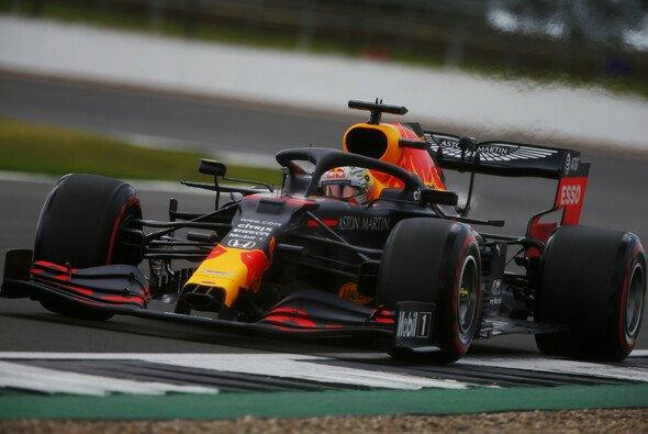 Max Verstappen war im Qualifying chancenlos gegen die Übermacht von Mercedes - Foto: LAT Images