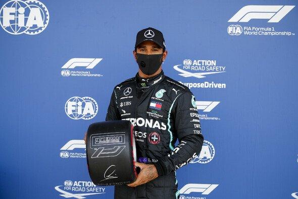 Pole nach Dreher: Lewis Hamilton startet in Silverstone von ganz vorne - Foto: LAT Images