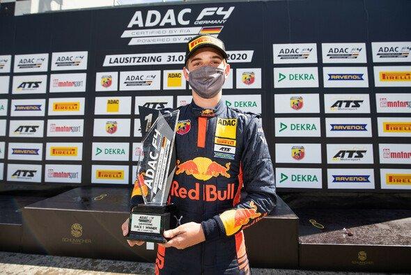 Edgar gewinnt den Saisonauftakt - Foto: ADAC Formel 4