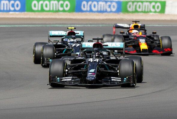 Setzt Red Bull Mercedes auch in Barcelona wieder richtig unter Druck? - Foto: LAT Images