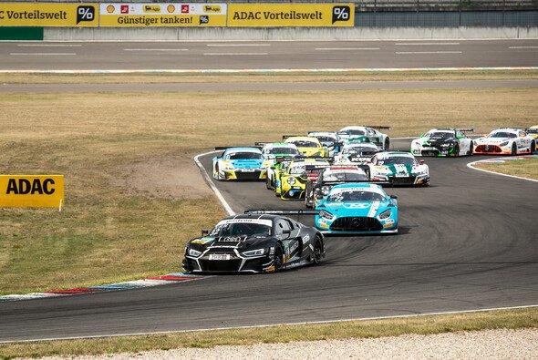 Sieger am Sonntag: Dries Vanthoor und Charles Weerts - Foto: ADAC GT Masters
