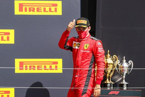 Glückliches Podium: Charles Leclerc mit dem zweiten Podest der Saison - Foto: LAT Images