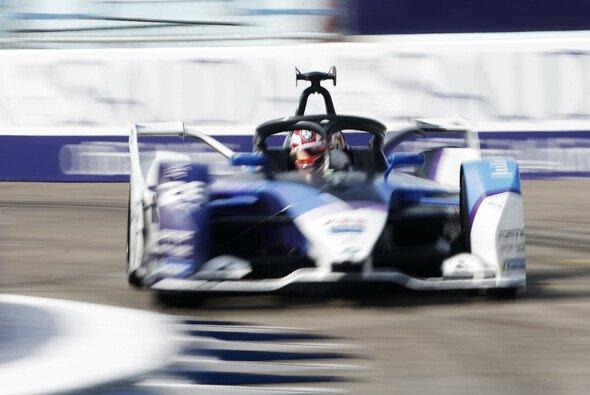 Maximilian Günther feiert seinen zweiten Sieg in der Formel E - Foto: LAT Images