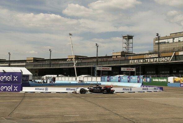 Die Formel E lässt in Berlin wieder Fans ein - Foto: LAT Images