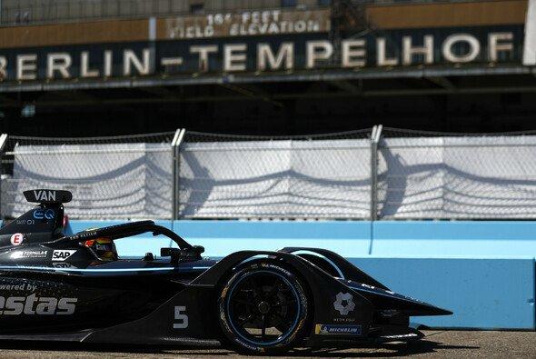 Stoffel Vandoorne ist neuer Vize-Meister in der Formel E - Foto: LAT Images