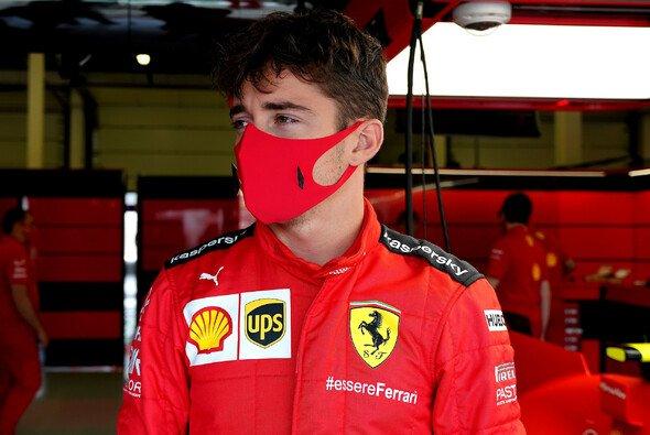 Aus den Ferrari-Overalls kommt Charles Leclerc so schnell nicht mehr raus - Foto: Ferrari