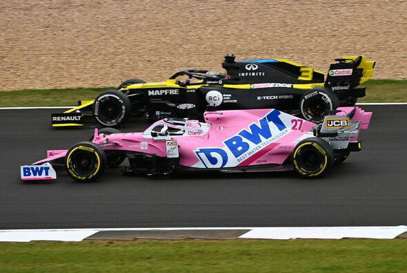 Daniel Ricciardo will sich im Rennen Nico Hülkenberg zur Brust nehmen - Foto: LAT Images