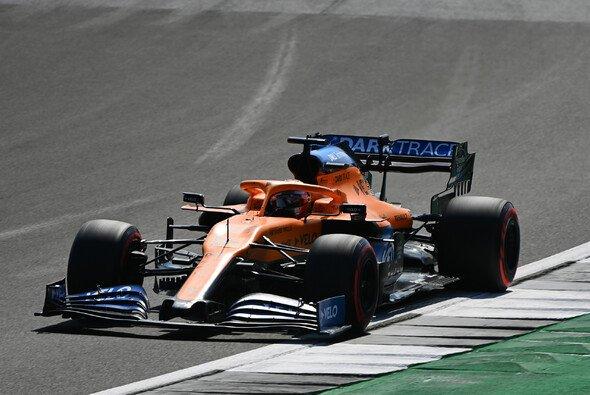 Die Temperaturen von Carlos Sainz' McLaren stehen unter Beobachtung - Foto: LAT Images
