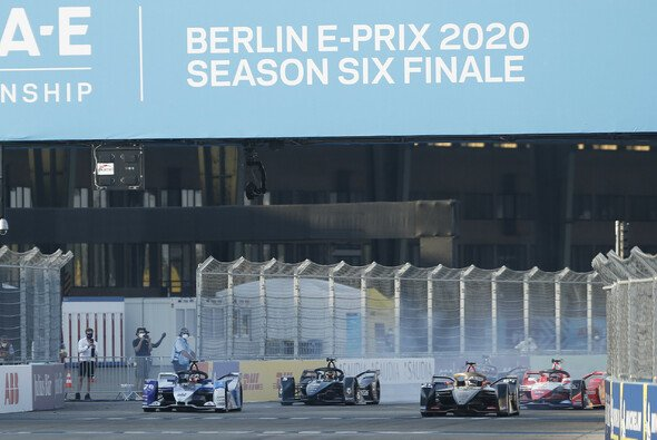 Alle Video-Highlights zum Saisonfinale der Formel E in Berlin - Foto: LAT Images