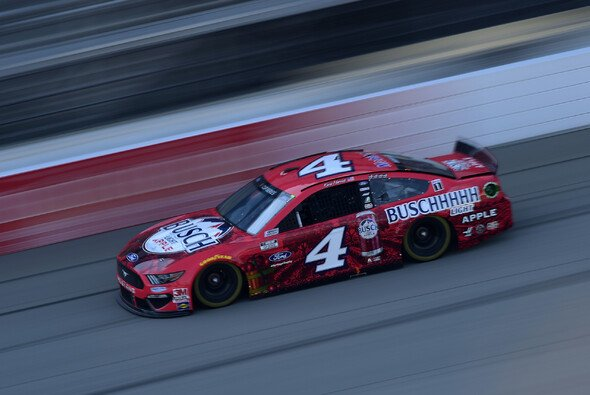 Fünfter Saisonsieg für Kevin Harvick - Foto: NASCAR