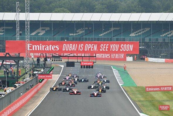 Die Formel 2 ist an diesem Wochenende zurück in Silverstone - Foto: LAT Images