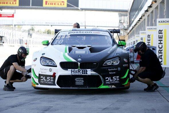 Die Comeback-Saison von Schubert Motorsport im ADAC GT Masters geht in die nächste Runde - Foto: Alexander Trienitz
