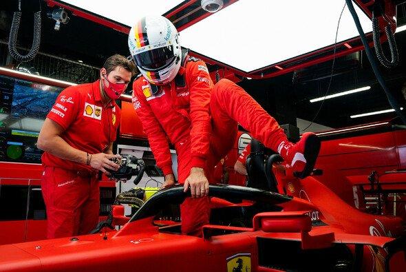 Sebastian Vettel entrüstete sich in Barcelona erneut über die Kommunikation am Boxenfunk - Foto: Ferrari