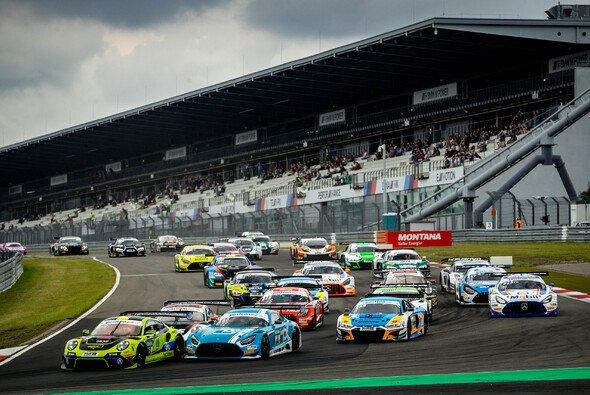Das ADAC GT Masters muss seine Rennen auf dem Nürburgring verschieben - Foto: ADAC GT Masters