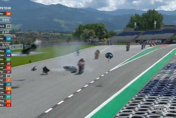 Ein schlimmer Unfall überschattete das Rennen - Foto: MotoGP/Twitter