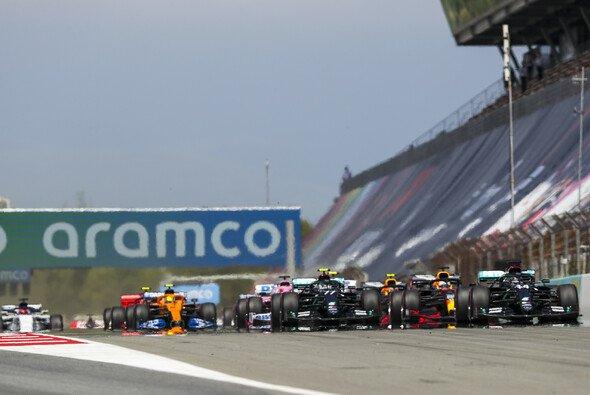 Die Formel 1 startet in den dritten Tripleheader des Jahres 2020 - Foto: LAT Images