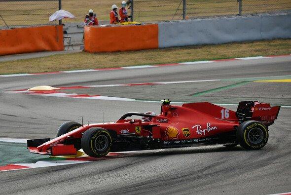 Der Anfang vom Ende: Letztendlich sorgte ein Kurzschluss für den Ausfall von Charles Leclerc beim Spanien GP - Foto: LAT Images