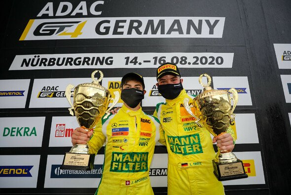 Die Sieger am Sonntag: Julien Apothéloz (li.) und Luca Trefz - Foto: ADAC GT4 Germany