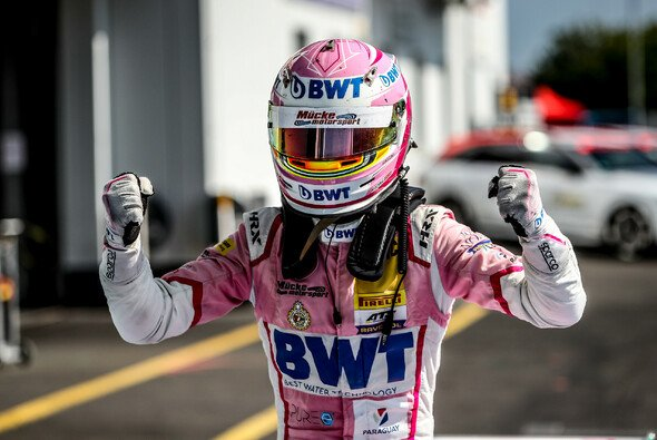 Joshua Dürksen feierte mit BWT Mücke Motorsport auf dem Nürburgring seinen ersten Sieg in der ADAC Formel 4 - Foto: Gruppe C