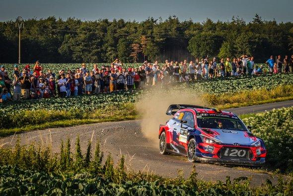 Nach Ott Tänak bekommt nun auch Thierry Neuville eine Rallye in seinem Heimatland - Foto: Red Bull