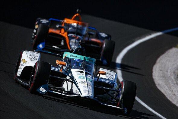 Fernando Alonso sah in Indy erstmals das Ziel - Foto: LAT Images