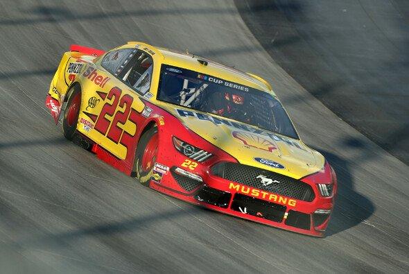 Wichtiger dritter Saisonsieg für Joey Logano - Foto: NASCAR