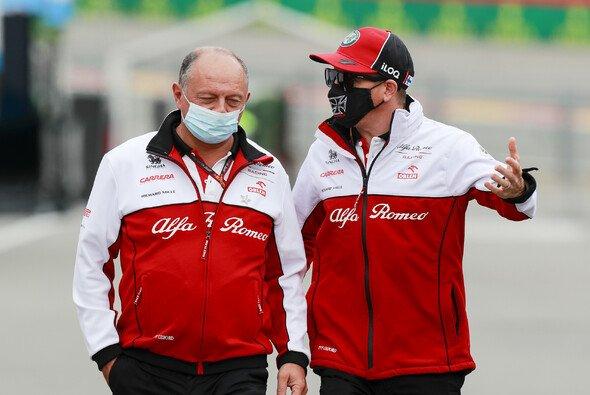 Kimi Räikkönen soll schon für 2022 im Sauber-Simulator testen - Foto: LAT Images