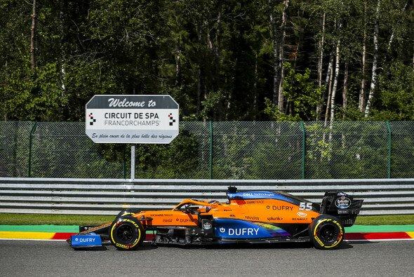 Carlos Sainz musste in Spa im Rennen schenll abstellen - Foto: LAT Images