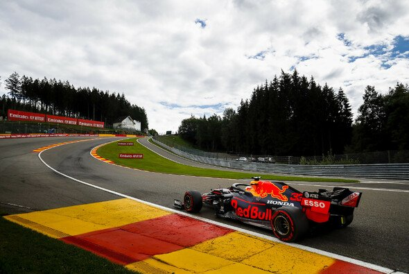 Der Belgien GP verspricht mehr Spannung als zwei Mercedes in Reihe eins vermuten lassen - Foto: LAT Images